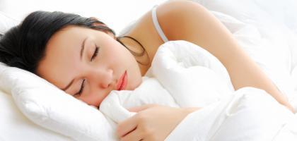 Afvallen? Lang slapen voorkomt overgewicht